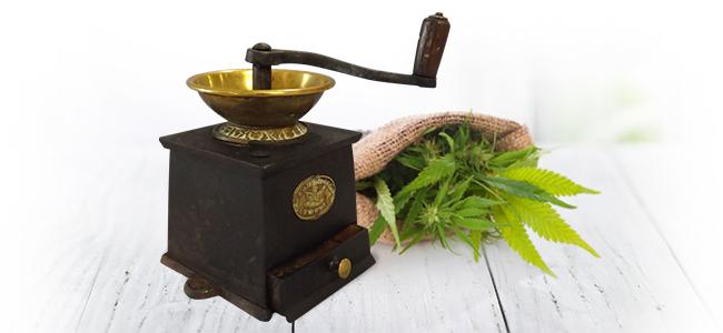 D'Effriter Le Cannabis: Moulin à Café