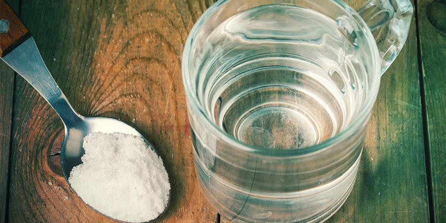 Rincez-vous La Bouche Avec De L'eau Salée