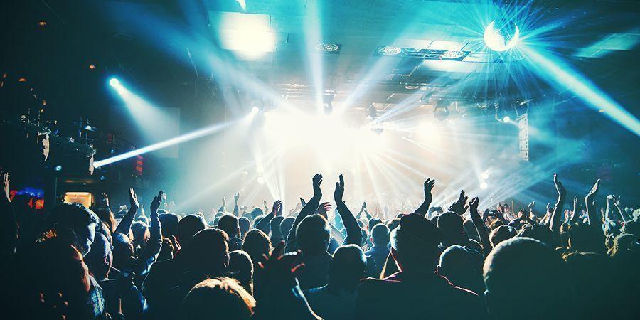 Allez À Un Concert
