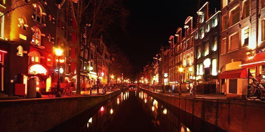 Endroits Où Fumer À Amsterdam : Le Quartier Rouge