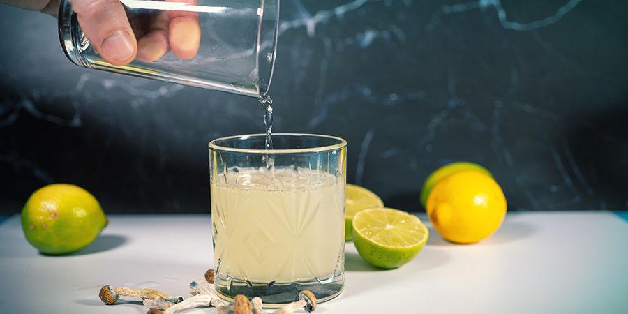 Instructions pour Préparer le Lemon Tek: Ajoutez De L'Eau Ou Du Thé (Pas Bouillant!) À Votre Jus