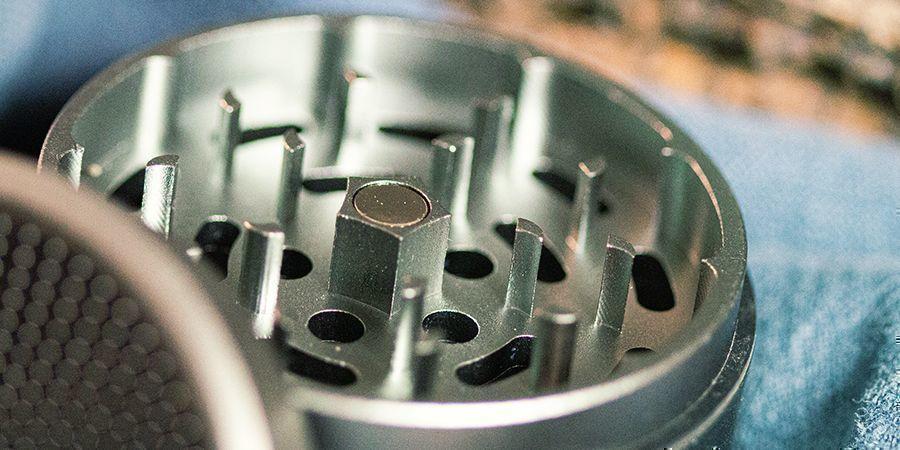 grinders à cannabis en métal