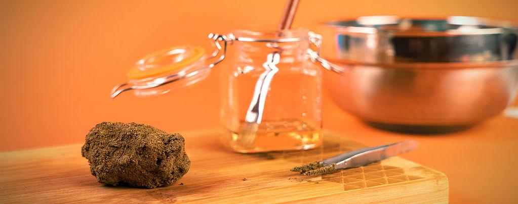 Pierres De Lune Cannabiques